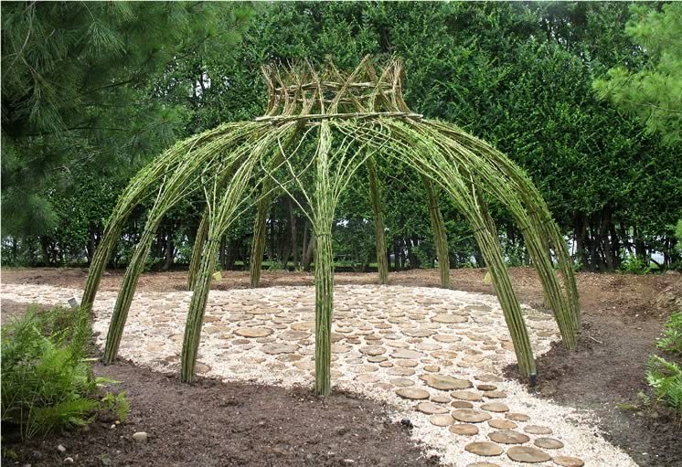 living willow structures on Pinterest | Willow Branches ...